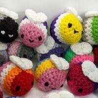 Crochet Your Own LG(Bee)T Pride Bee!