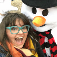 Take a #SelfieWithASnowman to celebrate the launch of UofL's Online Winter Session