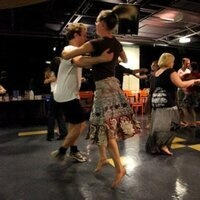 Contra Dance Beginner's Night. Live klezmer/American folk music!
