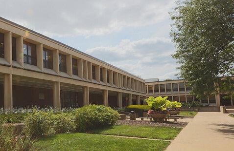 STLCC Meramec campus outdoor shot of the library building