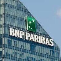 BNP Paribas Coop Table with Stephanie Michas '19
